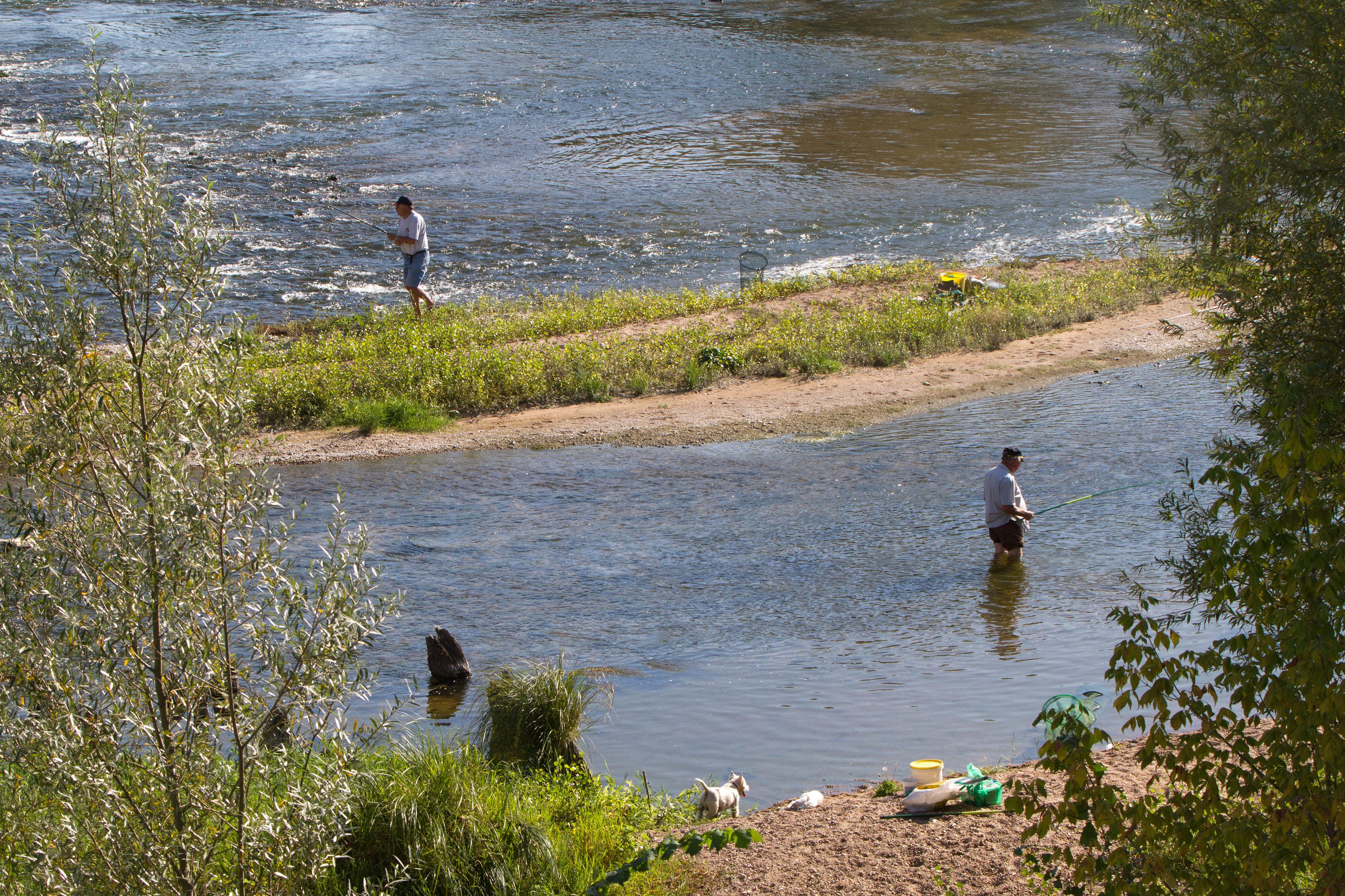 Des pécheurs, label hébergement pêche